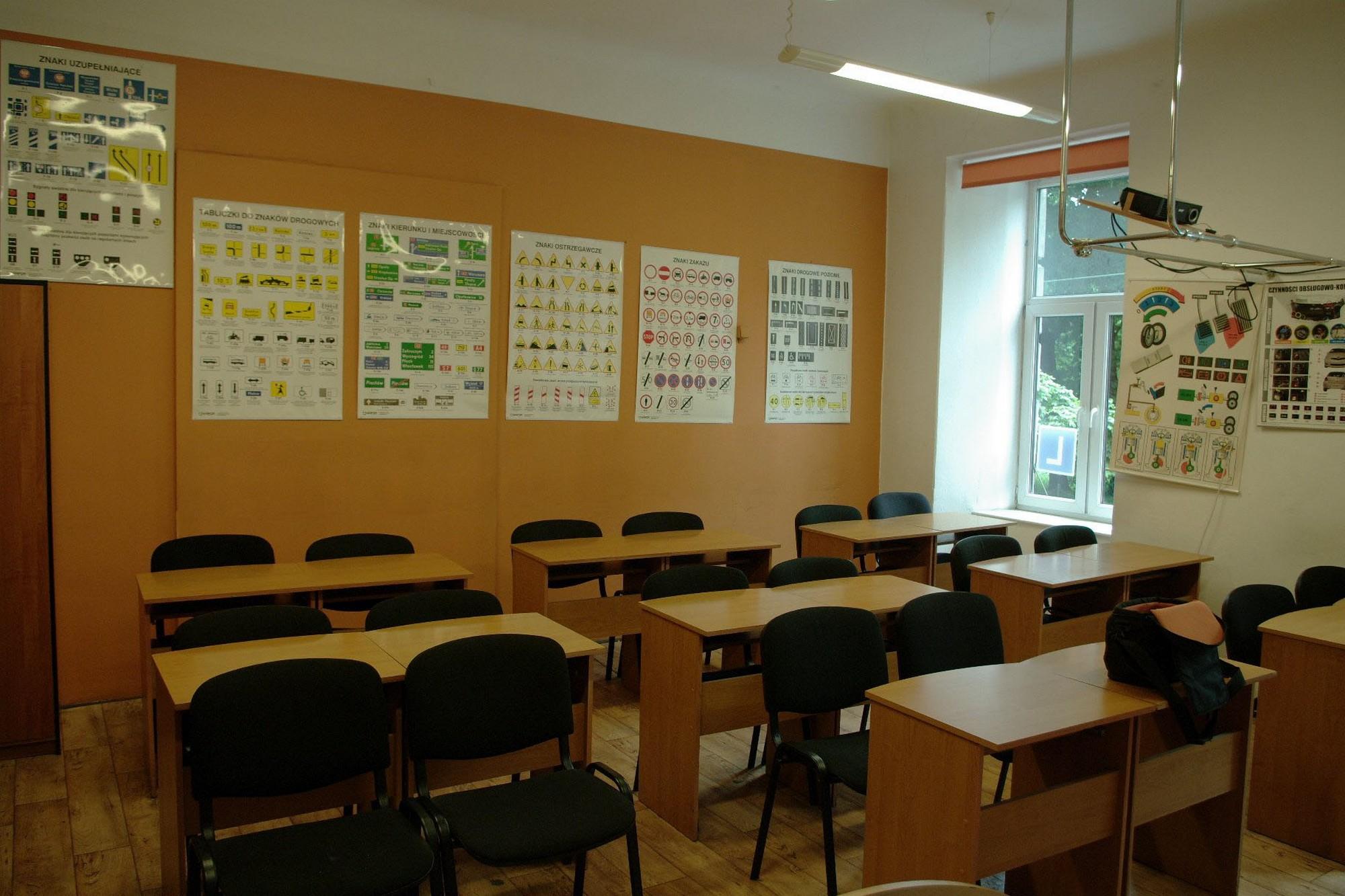 jantar biuro sala wykładowa