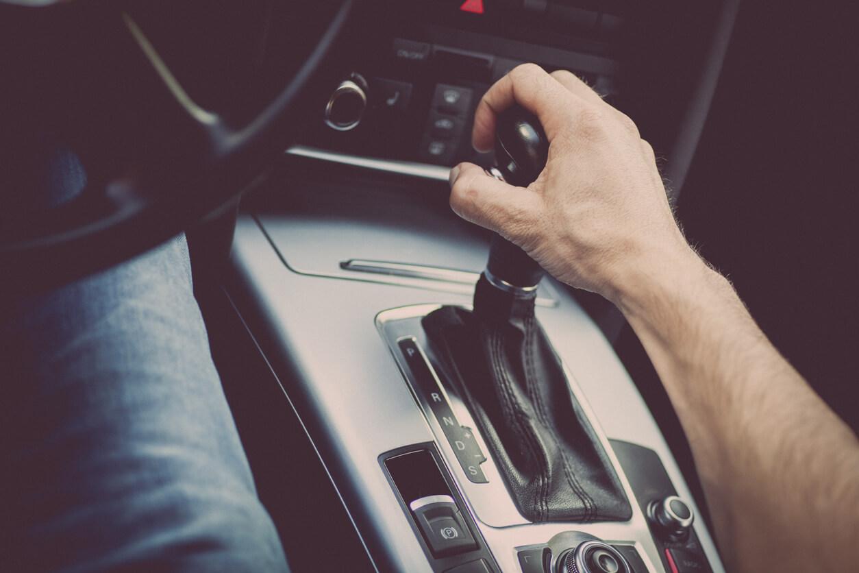Kurs prawa jazdy na automat - czym się różni, dla kogo warto?