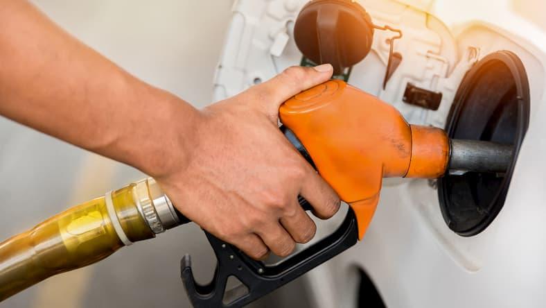 Sposoby oszczędzania paliwa - co można zrobić, jak jeździć, aby zmiejszyć spalanie