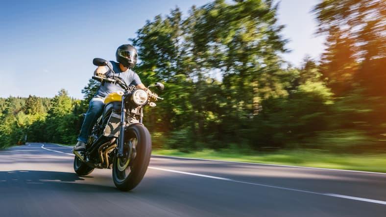 Wiosna - idealny okres na prawo jazdy na motor