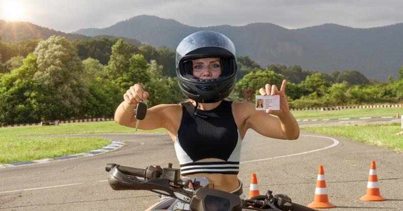 Jak przebiega egzamin na prawo jazdy kategorii A - motocyklowej?
