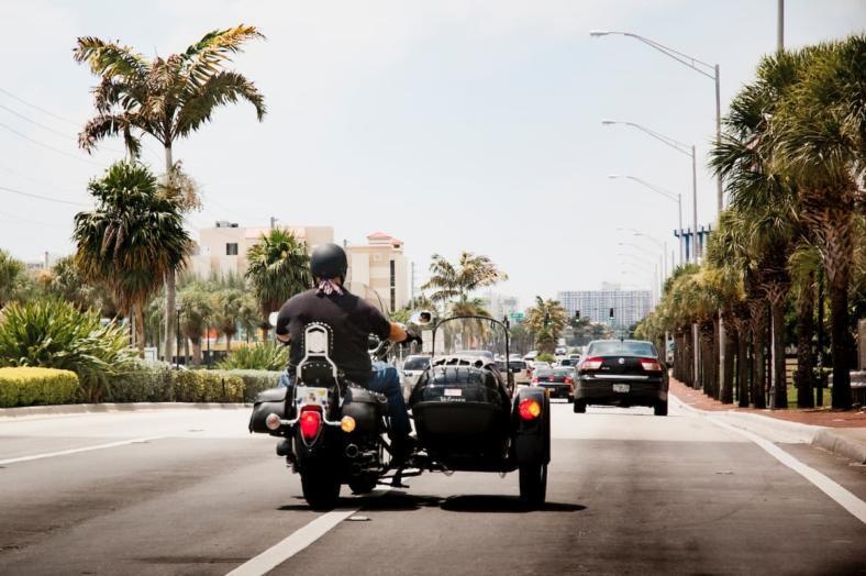 Motocykl z koszem - jakie prawo jazdy jest potrzebne?